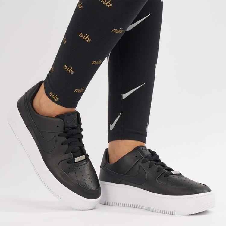 耐克女鞋空军一号黑面白色板底鞋Nike Air force 1