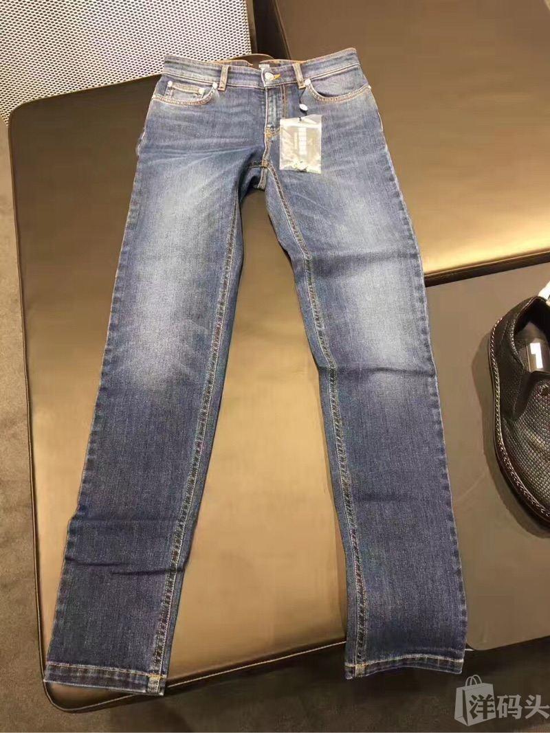 Versace 范思哲 男士牛仔裤28码特价1050?