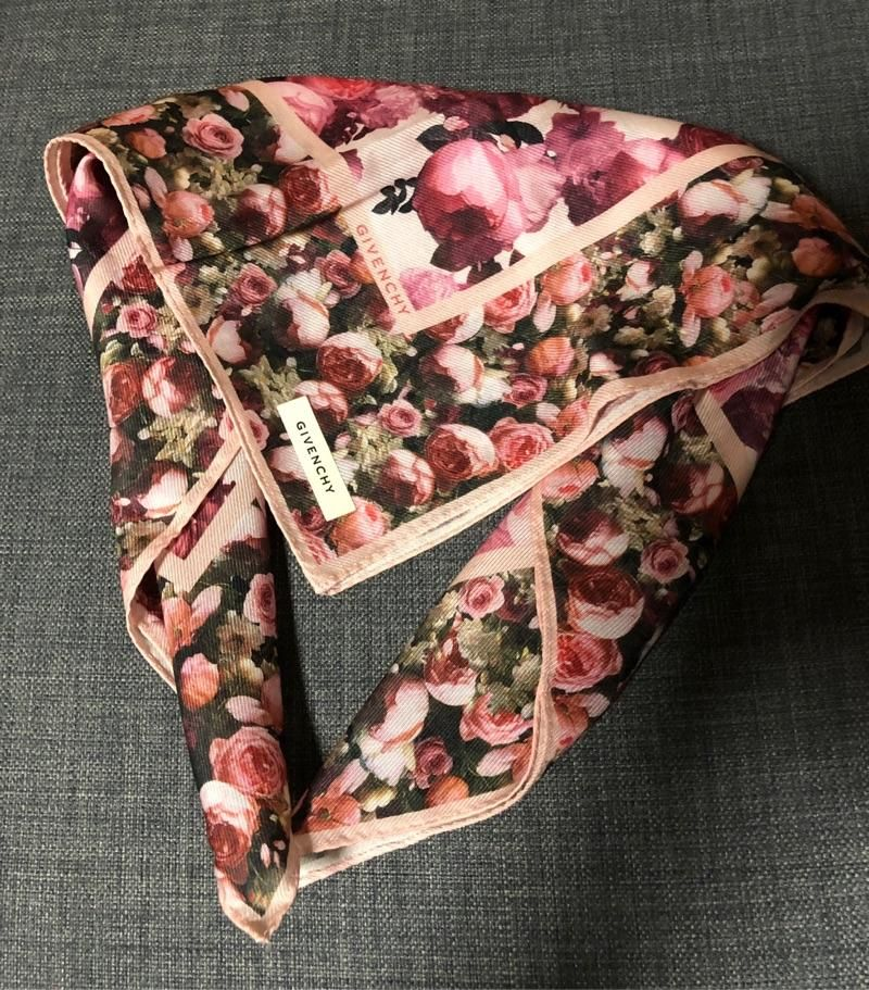 现货!纪梵希方巾 60*60cm 60%棉+40%丝绸 日本制