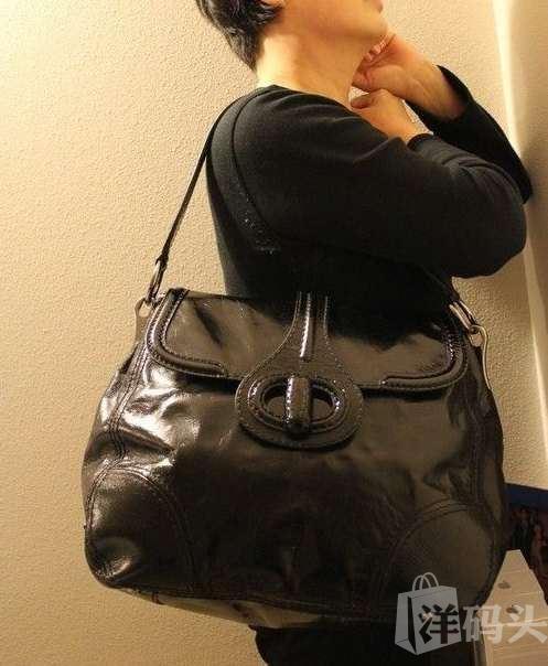 美国直递 Prada 黑色真皮肩包 Pattina Sottospalla BR4604 Nero
