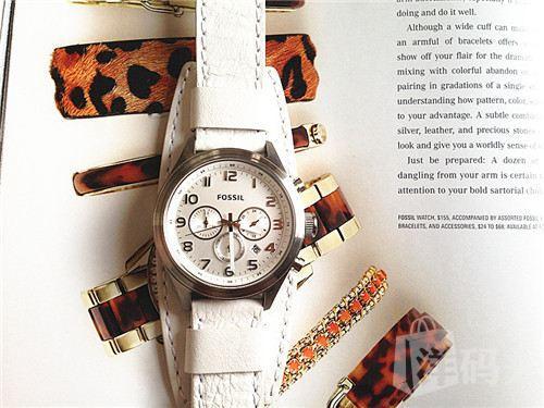 国内专柜在售:FOSSIL/化石 超酷表带 三表盘石英手表