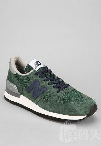 New Balance 990 Sneaker (Made in USA)