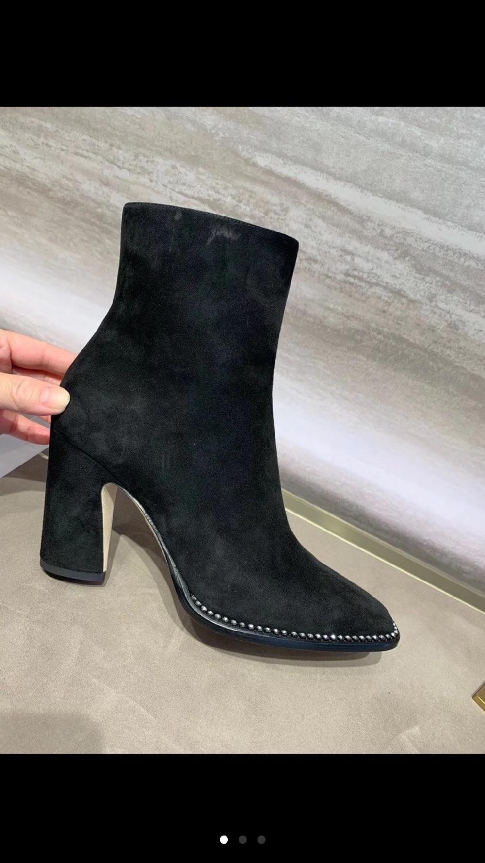 jimmy choo 新款方头黑色麂皮8cm跟短靴