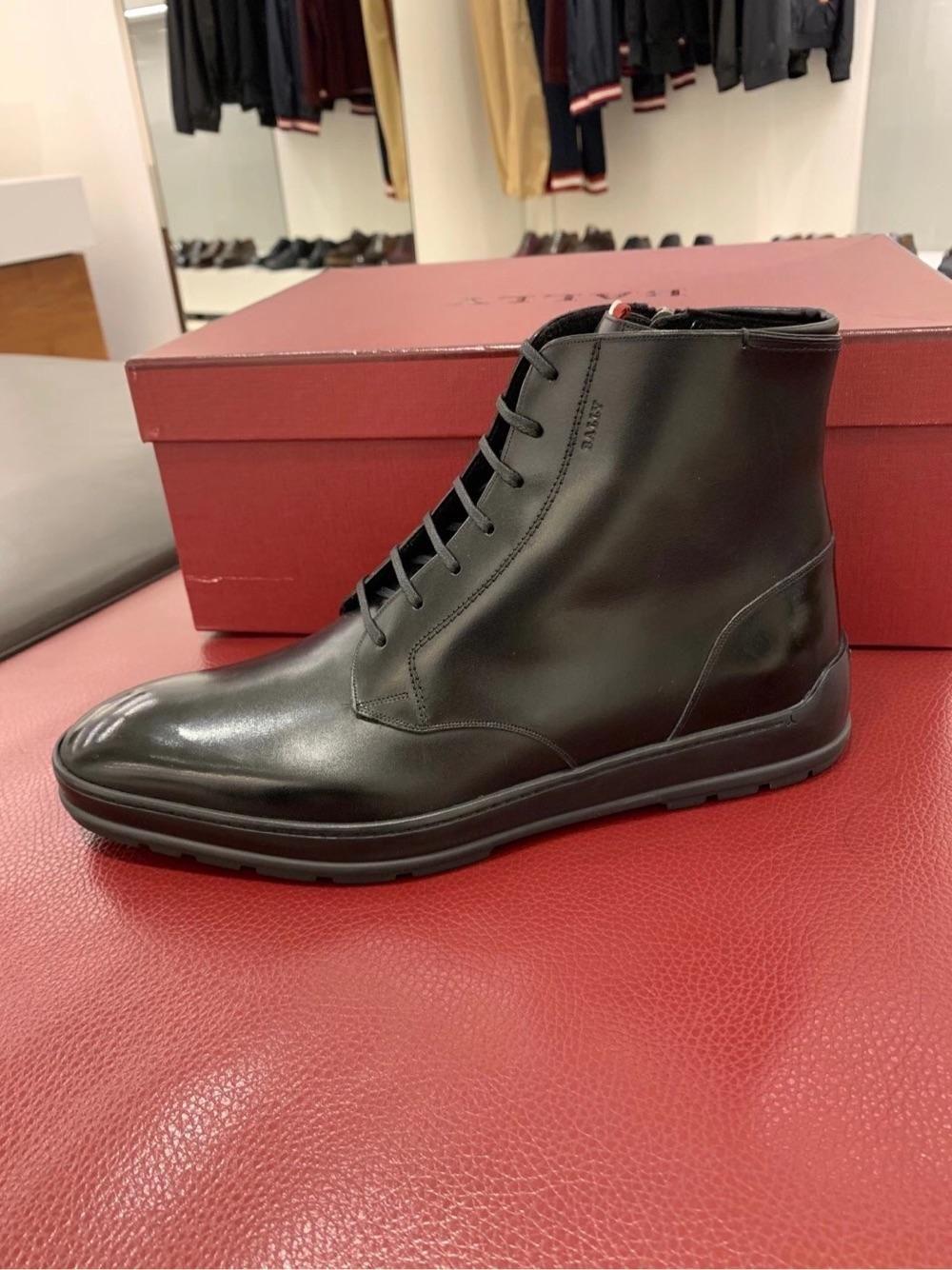 Bally今日折扣!男士内里加毛款黑色全皮短靴2690???