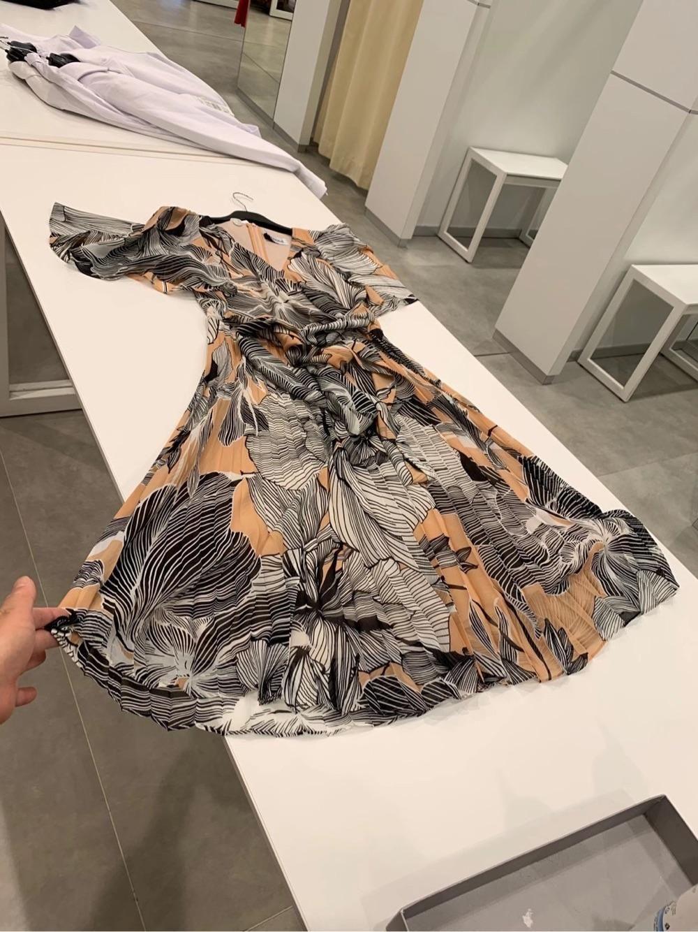 Maxmara剪标店 特价款荷叶袖连衣裙
